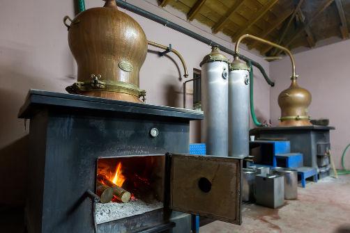 O alambique é um destilador artesanal