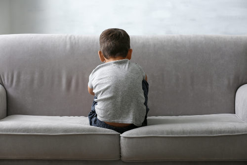 O autismo é um problema do desenvolvimento humano que afeta as relações sociais