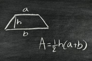 O calculo da área do trapézio é dado por: A = ½ . h (a + b).