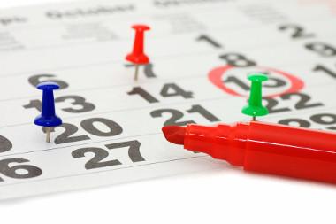 O calendário pode ser utilizado para ensinar as transformações das unidades de tempo.