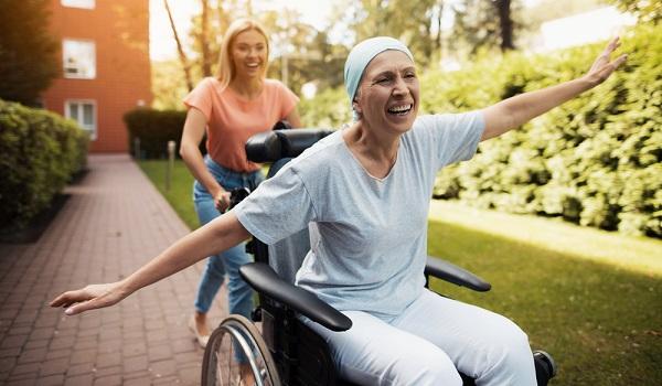O câncer é uma doença que mata várias pessoas todos os anos, entretanto, o tratamento adequado e precoce pode salvar muitas vidas
