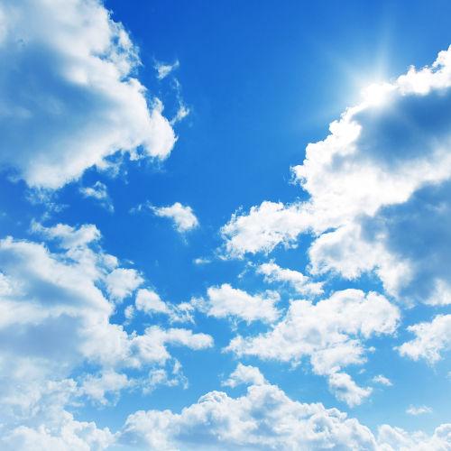 O céu é azul por causa do fenômeno físico do espalhamento