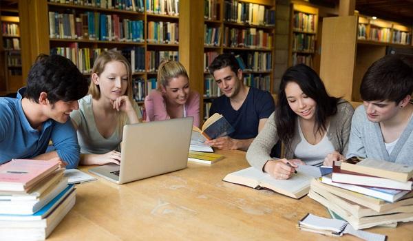 O Dia do Estudante é comemorado, no Brasil, em 11 de agosto