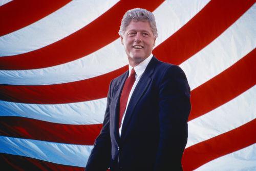 O ex-presidente dos EUA, Bill Clinton, sofreu um processo de impeachment, mas acabou absolvido *