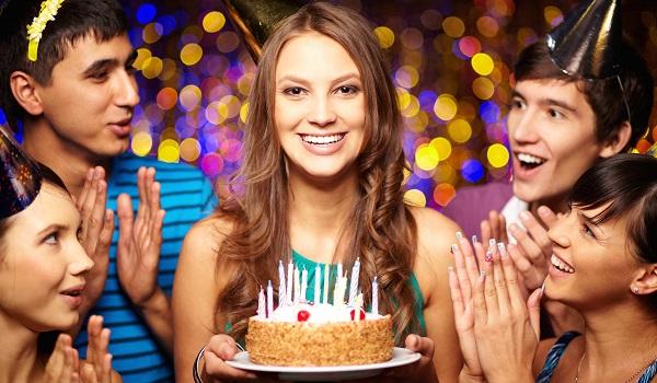 O famoso Parabéns a Você é cantado nas festas de aniversário