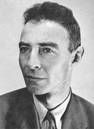 O físico Robert Oppenheimer foi o diretor-geral do Projeto Manhattan
