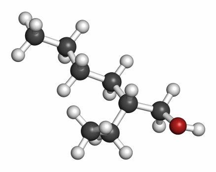 O isômero ativo apresenta carbono quiral em sua estrutura