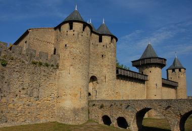 O período da Idade Média compreende cerca de 1000 anos, indo do século V ao século XV d.C.
