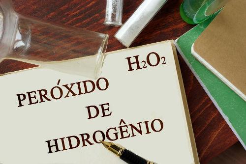 O peróxido de hidrogênio possui diversas aplicações