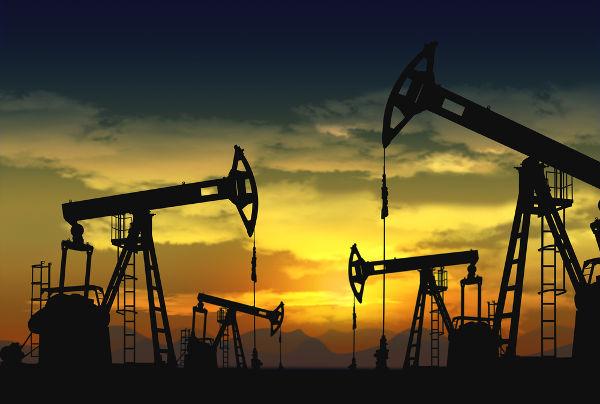 O petróleo é a principal fonte de hidrocarbonetos na natureza