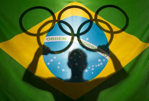 O primeiro ouro olímpico que o Brasil conquistou foi em uma prova de tiros, em 1920 *