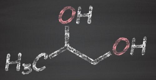 O propan-1,2-diol é um diálcool obtido a partir da oxidação branda de um alceno