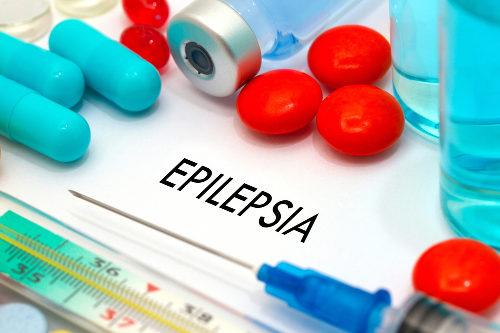 O tratamento da epilepsia visa à redução das crises