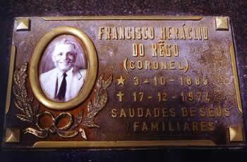 O Túmulo de Francisco Heráclio do Rêgo -  um dos ícones do coronelismo brasileiro