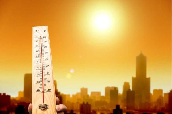 O verão, uma das quatro estações do ano, caracteriza-se por elevadas temperaturas.