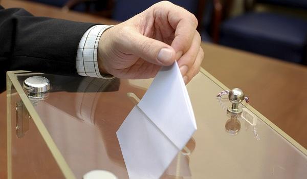 O voto é parte essencial de um governo democrático