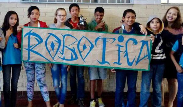 Oficina de robótica pode atender 75 alunos da rede pública