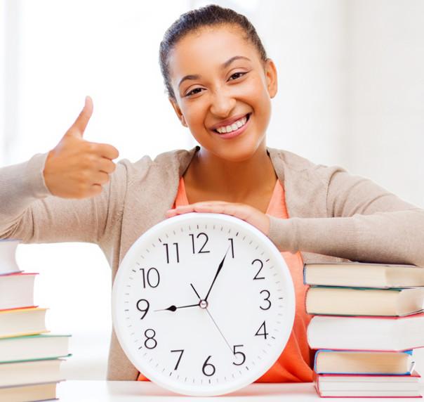 Organizar o tempo é o primeiro passo para obter sucesso nos estudos, mesmo trabalhando