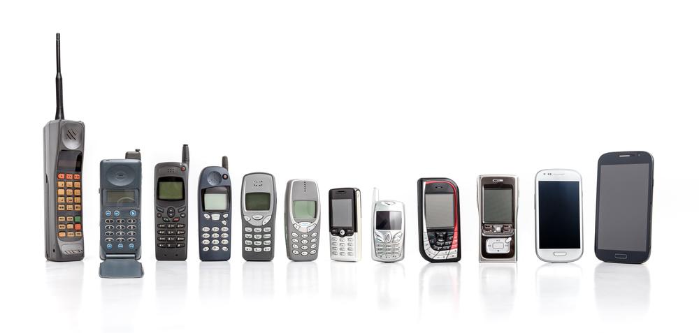 Os celulares popularizaram-se recentemente, no entanto, as tecnologias presentes nesses dispositivos são conhecidas há muito tempo.