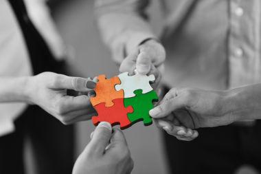 Os conectivos são elementos fundamentais para a construção de um texto coeso e coerente