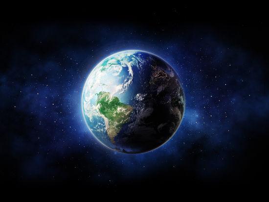 Os fusos horários e o posicionamento diferente de estrelas no céu são evidências do formato circular da Terra