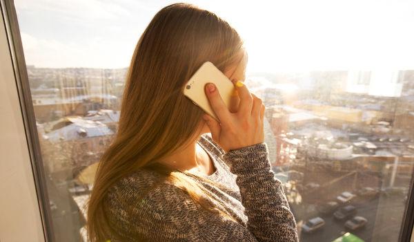 Os níveis de radiação emitidos pelo celular tem efeitos desconhecidos a longo prazo