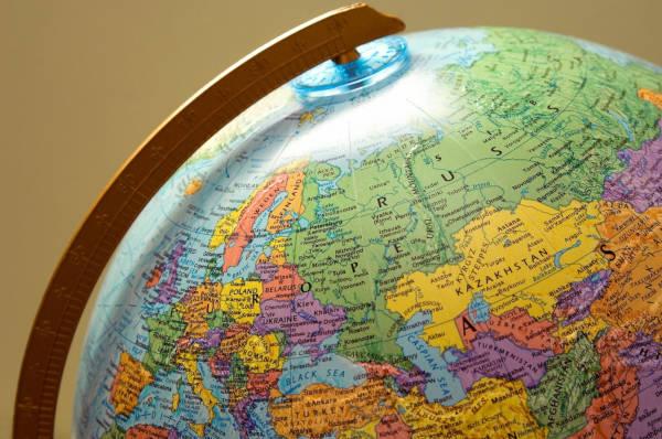 Os países da Ásia abrigam mais de quatro bilhões de pessoas.
