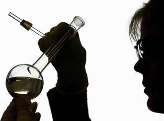 Para descobrir se uma reação de deslocamento ou simples troca irá ocorrer é necessário conhecer a reatividade dos compostos envolvidos