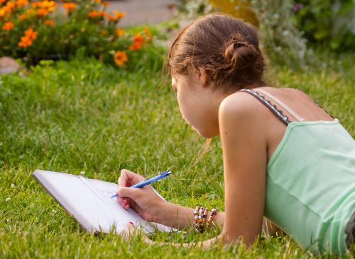 Para fazer uma boa descrição é necessário estar atento aos traços físicos, psicológicos e emocionais