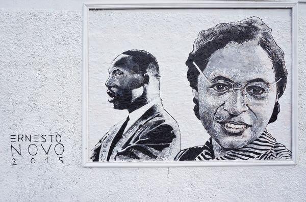 Rosa Parks e Martin Luther King Jr., dois ícones da resistência negra contra a discriminação racial nos Estados Unidos.*