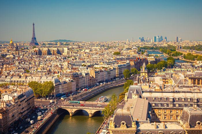 Paris, um exemplo de metrópole global