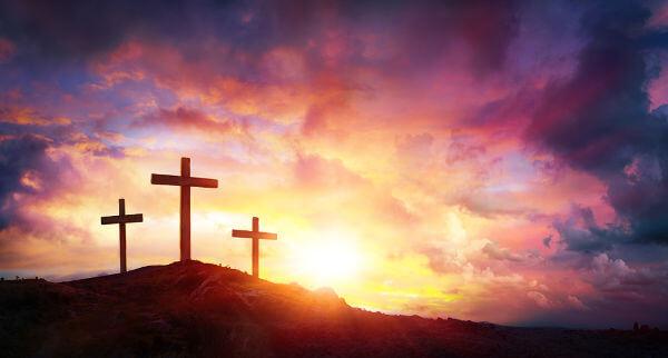 A Páscoa Cristã relembra a crucificação e morte de Jesus Cristo e celebra a sua ressurreição, sendo uma das principais festas do cristianismo.