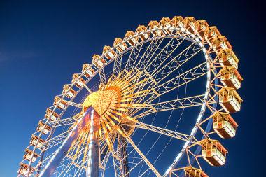 Período e frequência referem-se à rotação de objetos em movimento circular