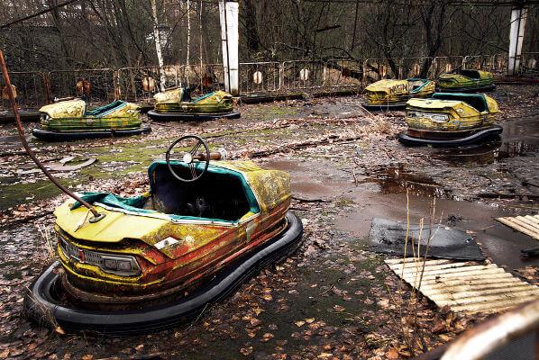 Em virtude do acidente de Chernobyl, em 26 de abril de 1986, a cidade de Pripyat, no norte da Ucrânia, foi abandonada.