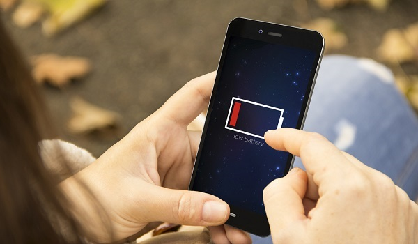 Qual é o impacto da recarga dos celulares sobre o consumo de energia elétrica?