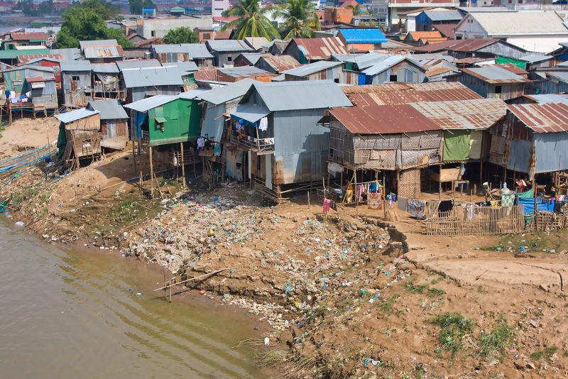 Área pobre no Cambodja, uma imagem do subdesenvolvimento