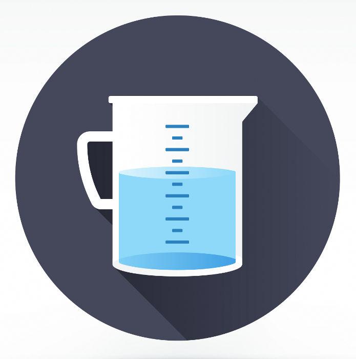 Recipiente com água: equipamento que pode ser usado para aulas práticas sobre regra de três