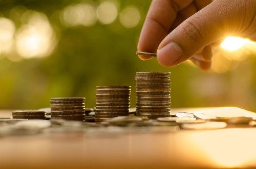 Renda nacional é um indicador utilizado para avaliar as condições socioeconômicas de um país.