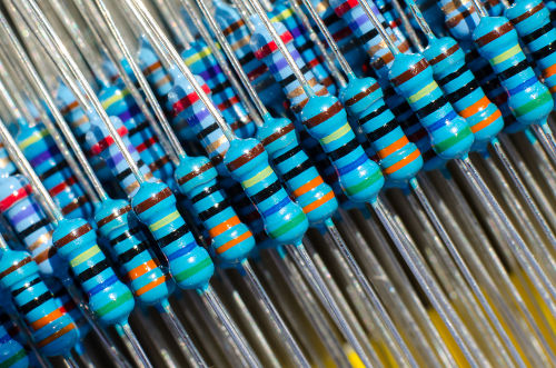 Resistores são componentes de circuitos elétricos utilizados para transformar energia elétrica em calor