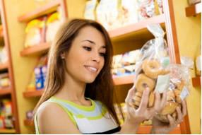 Para escolher se consumir� o alimento diet ou light � necess�rio verificar o r�tulo