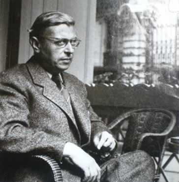 Segundo Sartre, para explicar as relações da consciência é preciso determinar dois seres: o Ser-em-si e o Ser-para-si