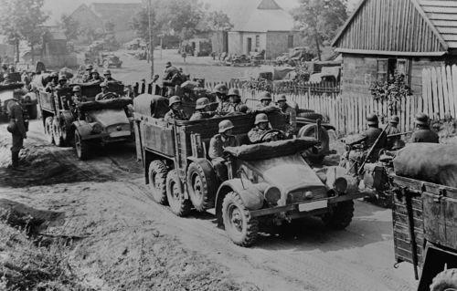 Soldados alemães durante a invasão da Polônia em 1939