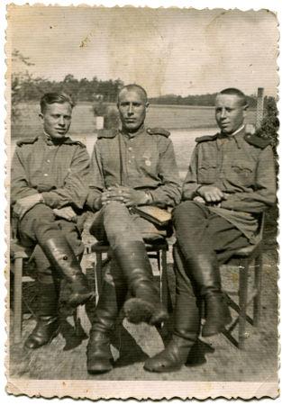 Soldados soviéticos que estavam instalados na região da Mongólia e que atuaram durante a Batalha de Khalkhin Gol*