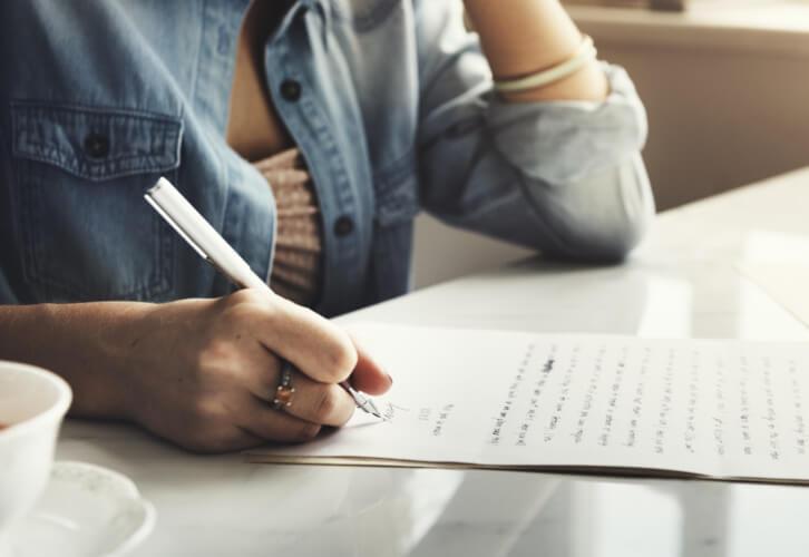 Texto é tudo aquilo a que atribuímos um sentido ao ler e escrever.