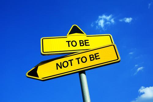 (To be or not to be: Ser ou não ser). O ser humano não nasce pronto, mas se constrói a partir de suas escolhas