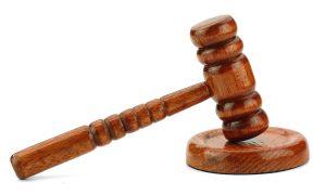 Toda pessoa colocada em situação de afronta à sua moral poderá exigir indenização pelos danos morais na Justiça.