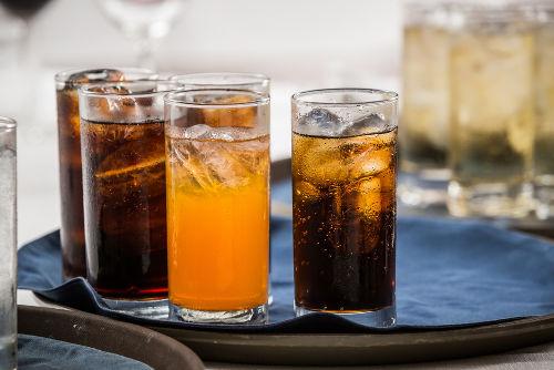 Todos os refrigerantes apresentam ácidos na sua composição