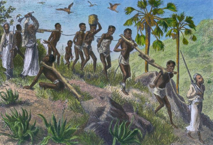 Os escravos eram obtidos na África por meio dos traficantes que compravam prisioneiros de guerra ou sequestravam africanos.