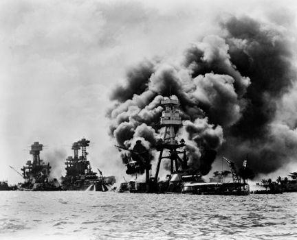 Três embarcações da marinha americana foram danificadas pelo ataque contra a base de Pearl Harbor