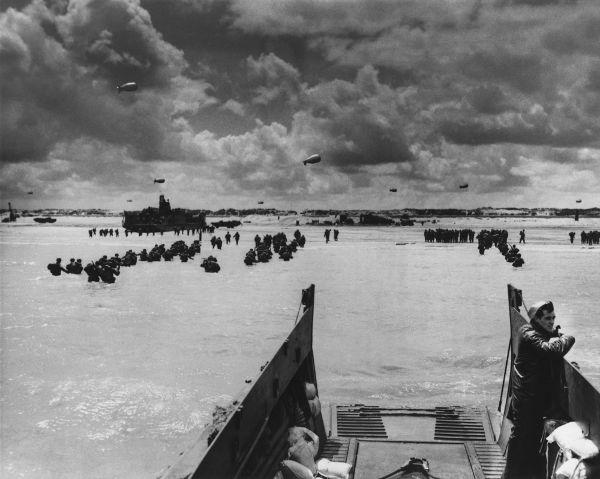 Tropas Aliadas desembarcadas na Normandia durante o Dia D, em junho de 1944.